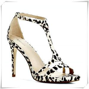 Cynthia sandals heels in animal print.